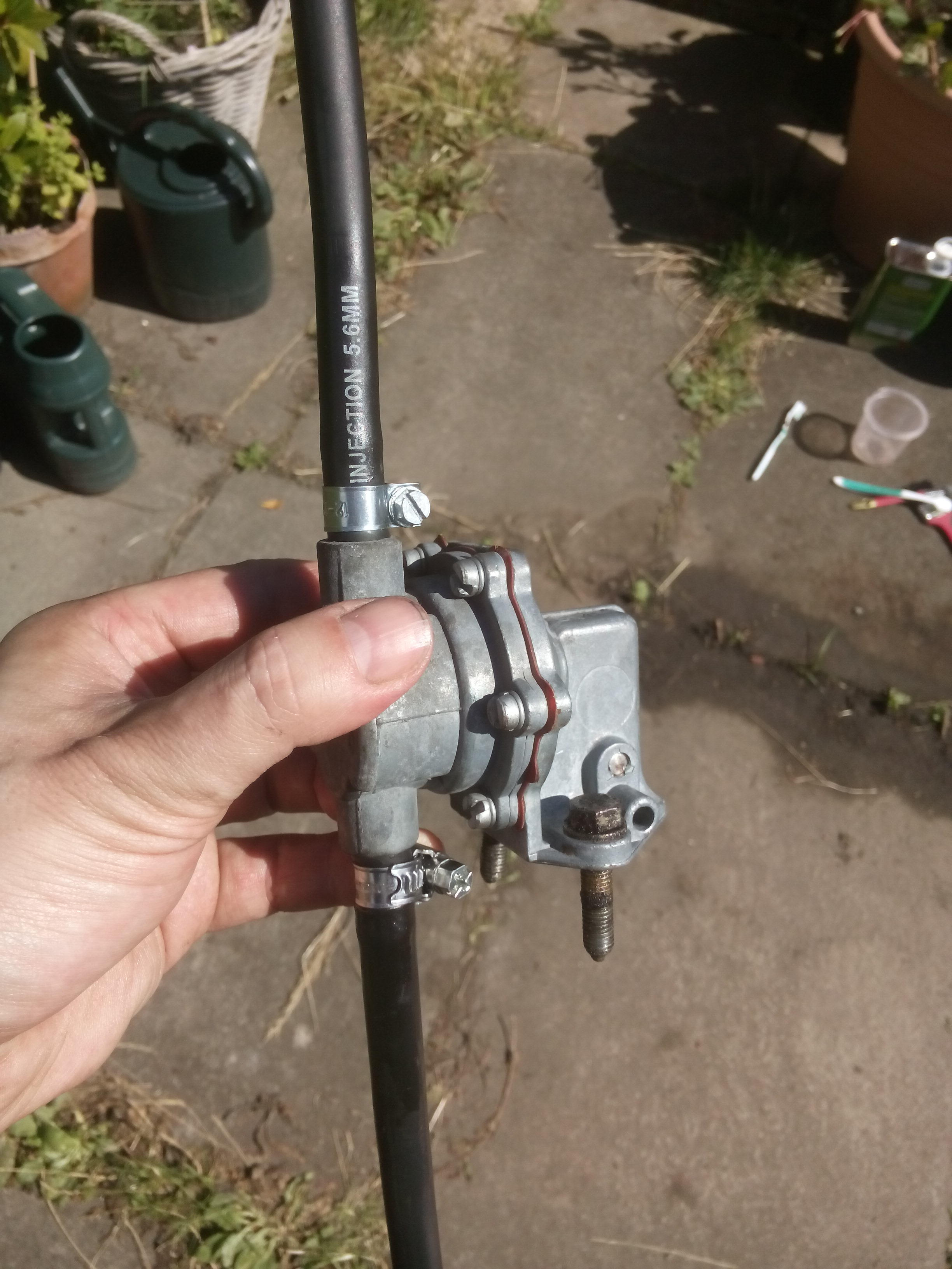 Removing a 2CV fuel pump – Colonel Sponsz's Shared Items