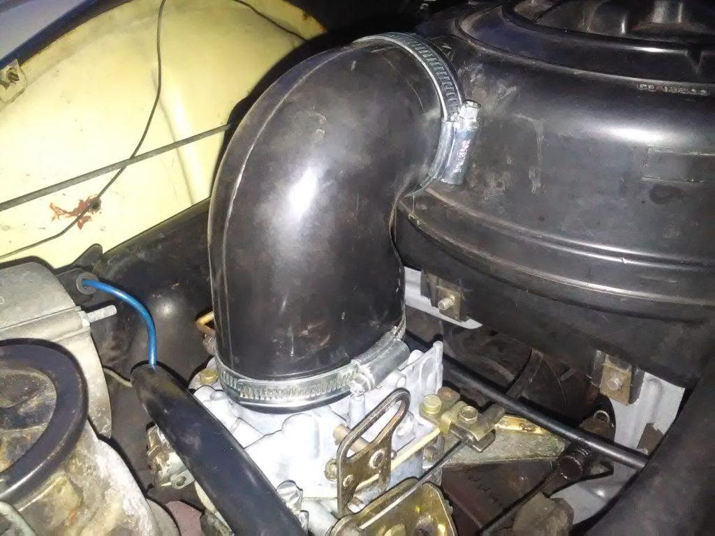 2CV carburettor and airbox hose