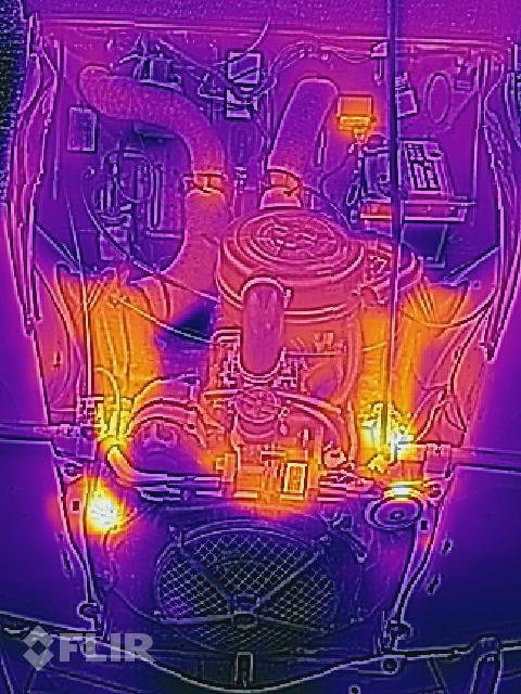FLIR picture of a 2CV engine