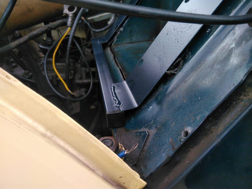 2CV battery tray reinforcement plate in-situ