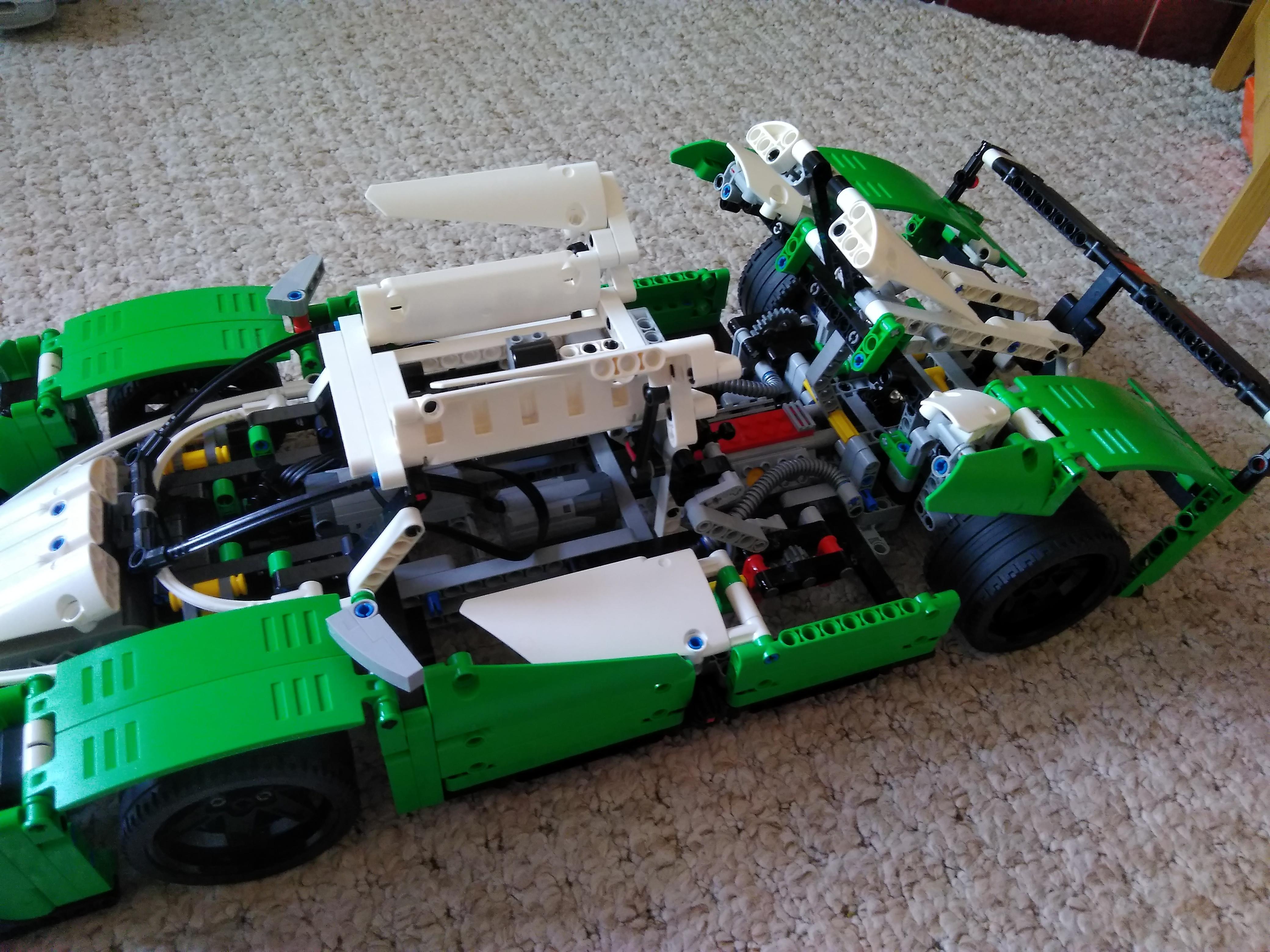 Remote controlled Lego Technic 24 Hours Race Car opening mechanism