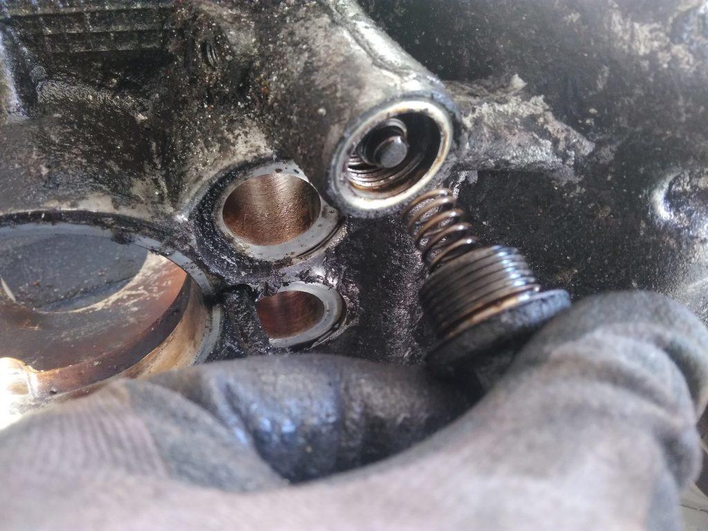 2CV oil pressure release valve removal