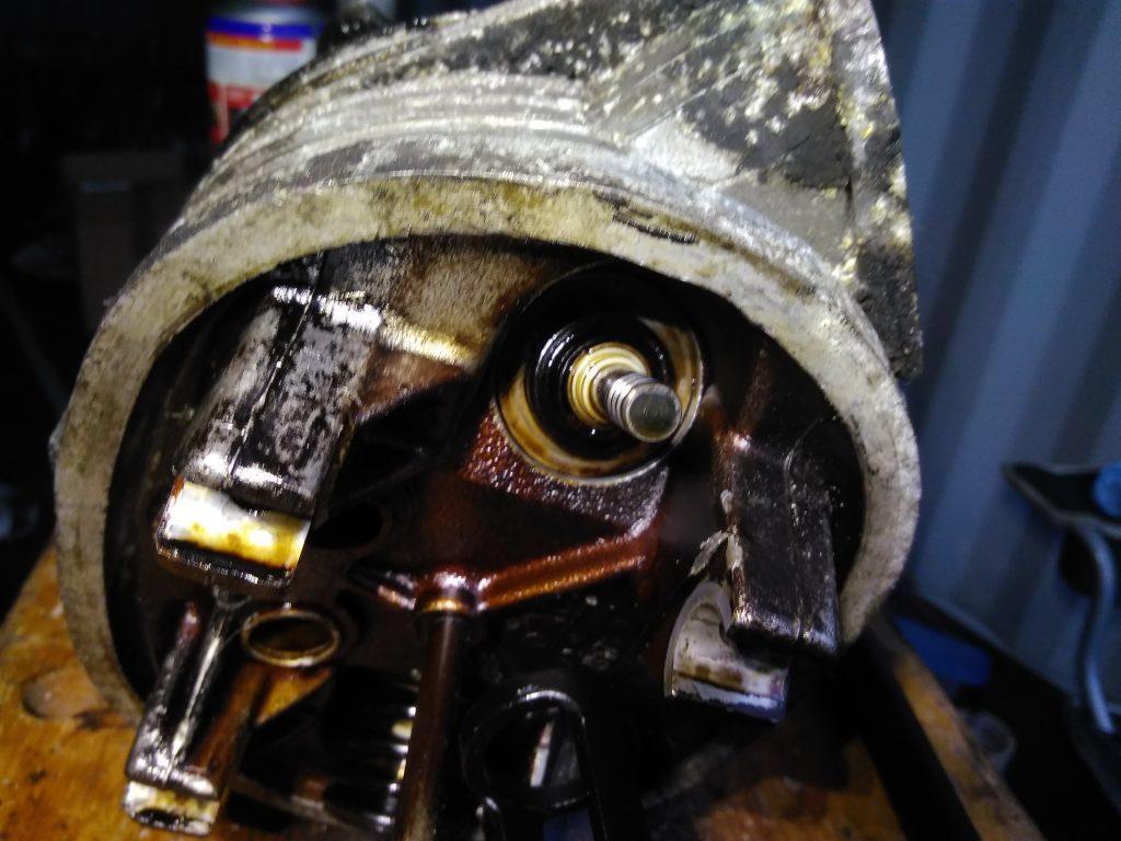 2CV valve stem in-situ