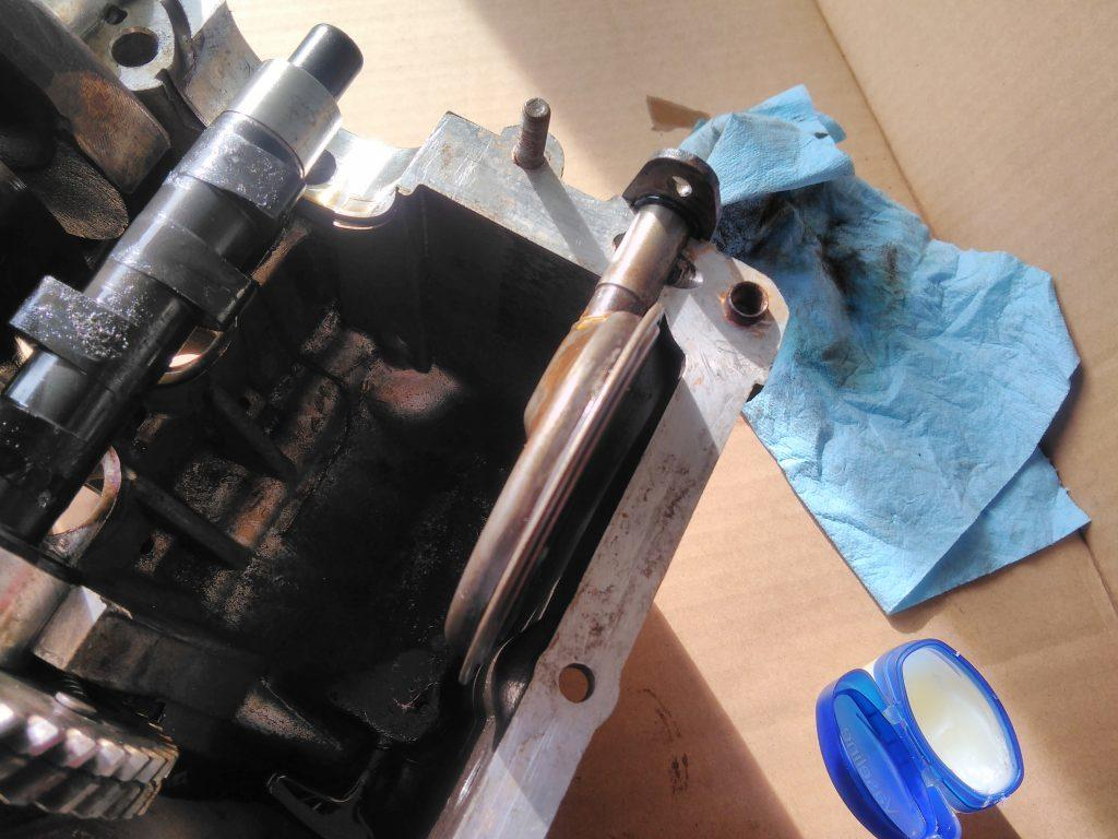 2CV sump oil pickup
