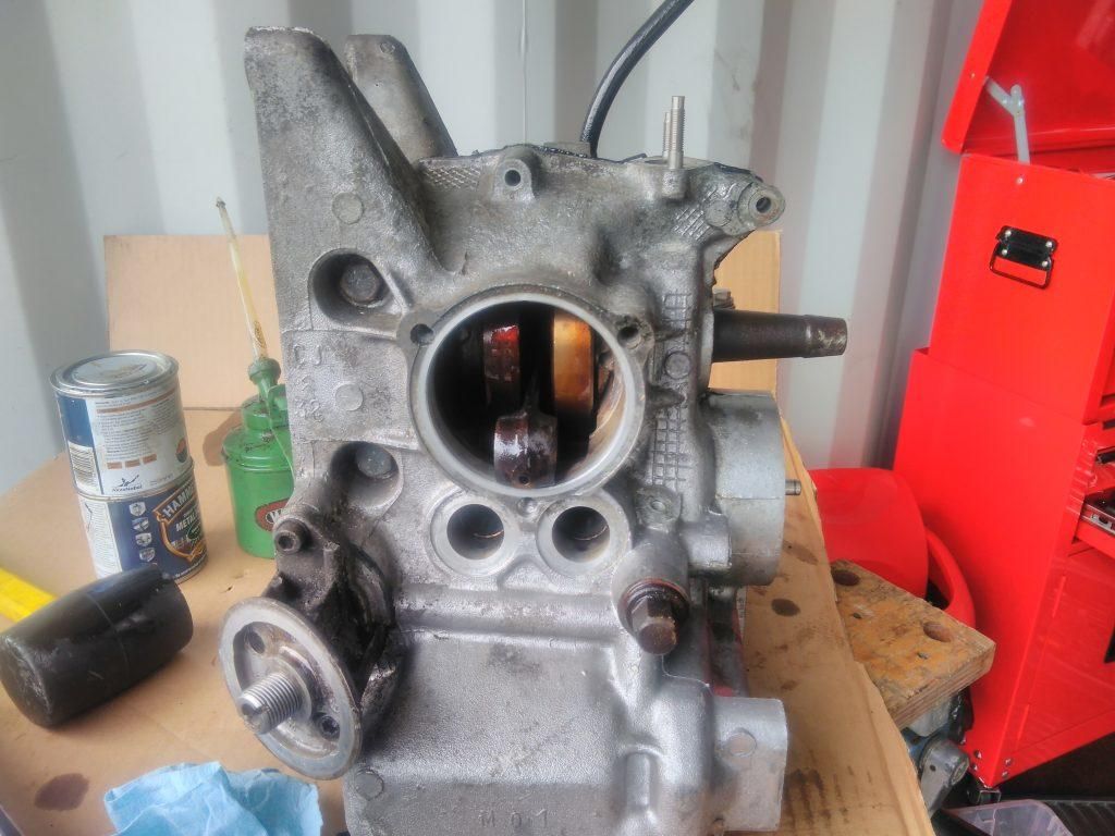 2CV crank case without pistons