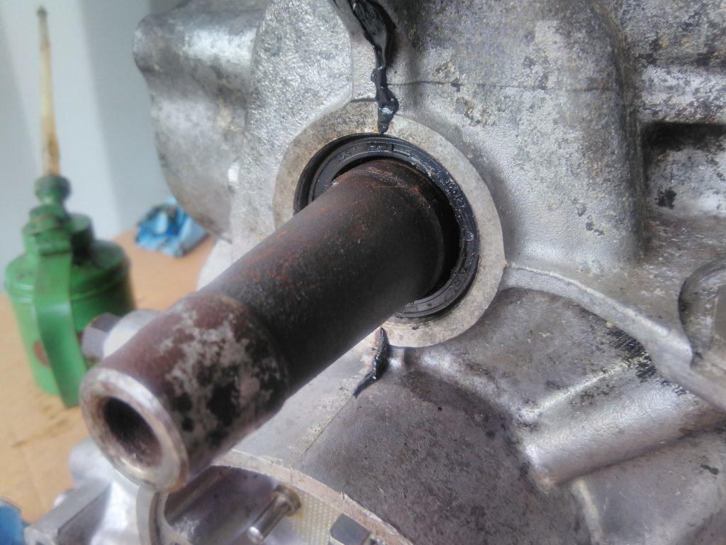 2CV front crank seal