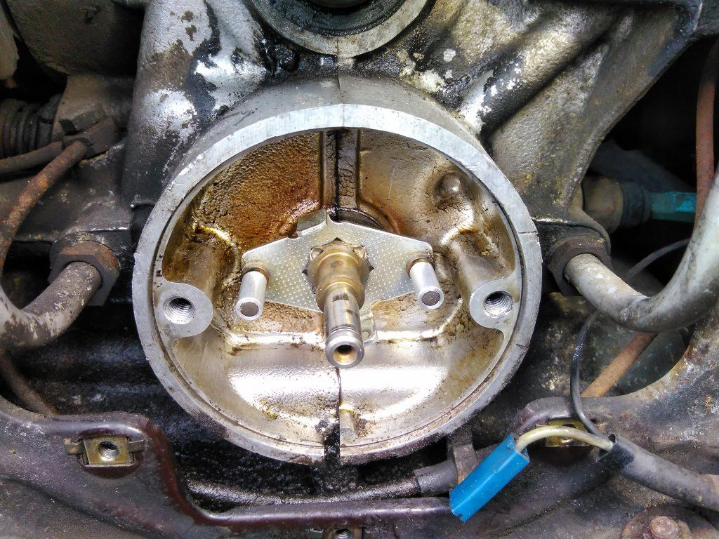 Sensor magnets on a 2CV camshaft