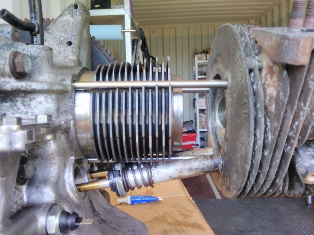 Fitting a 2CV cylinder head