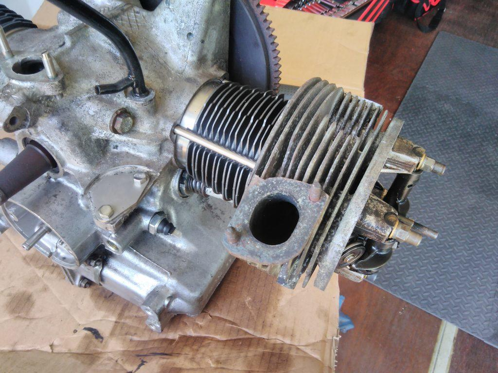 2CV cylinder head fitted