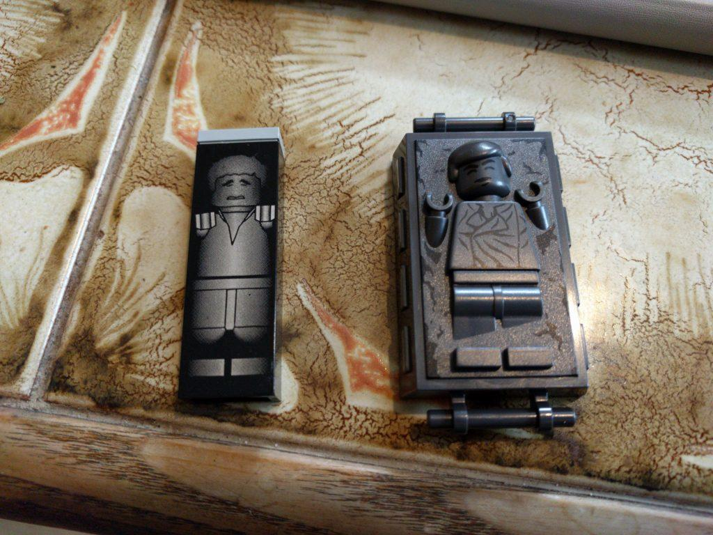 Lego Han Solos in Carbonite