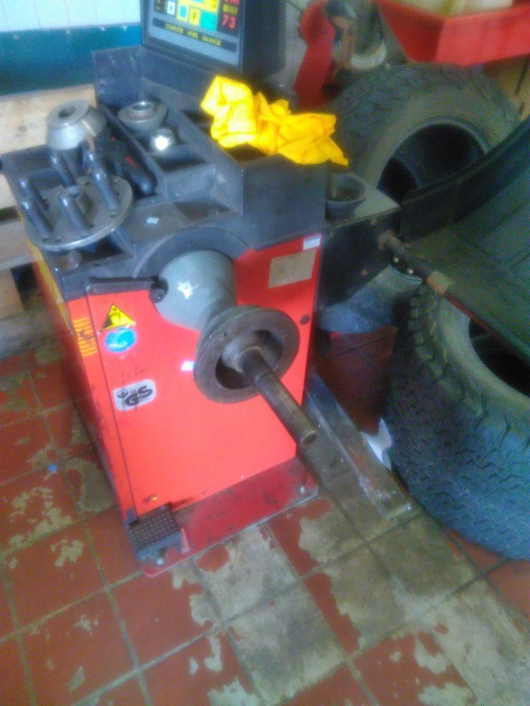 Centre post wheel balancer that doesn't fit 2CV wheels