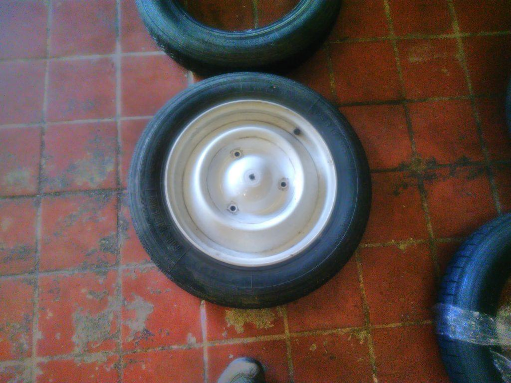 2CV wheel with new tyre