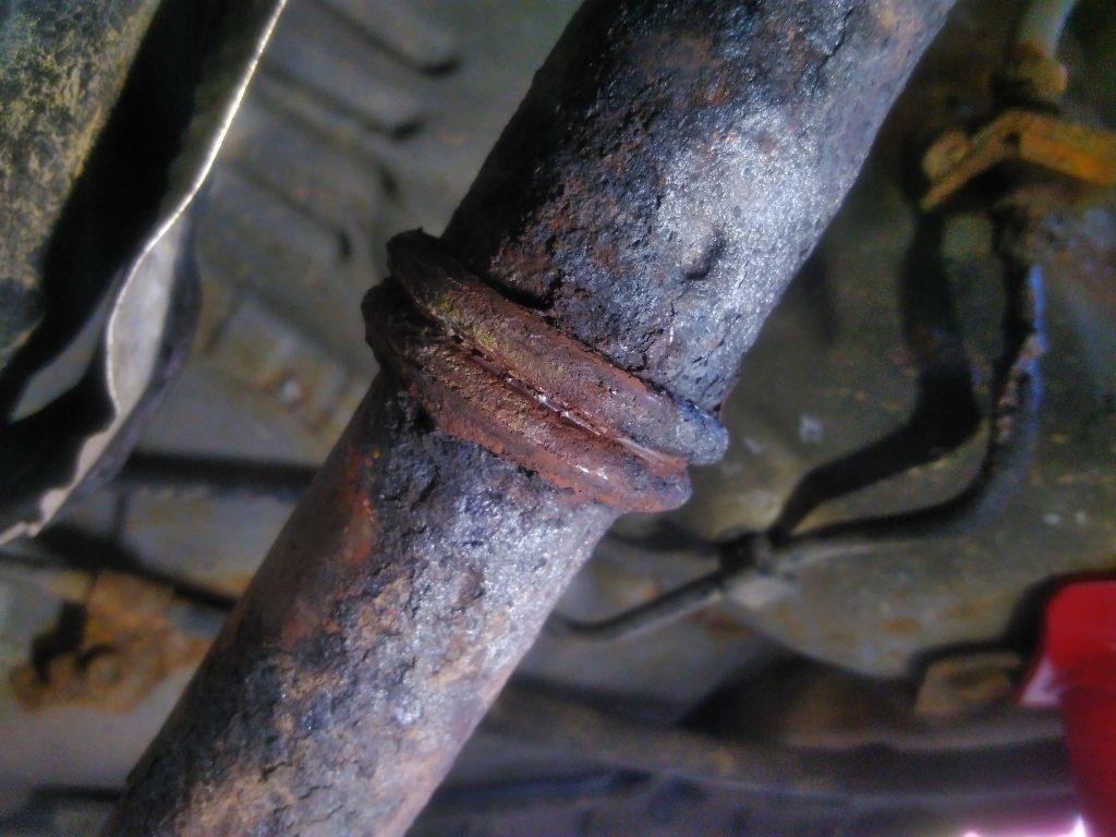 C1 exhaust pipe joint