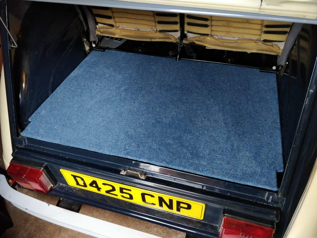 Carpeted 2CV boot board