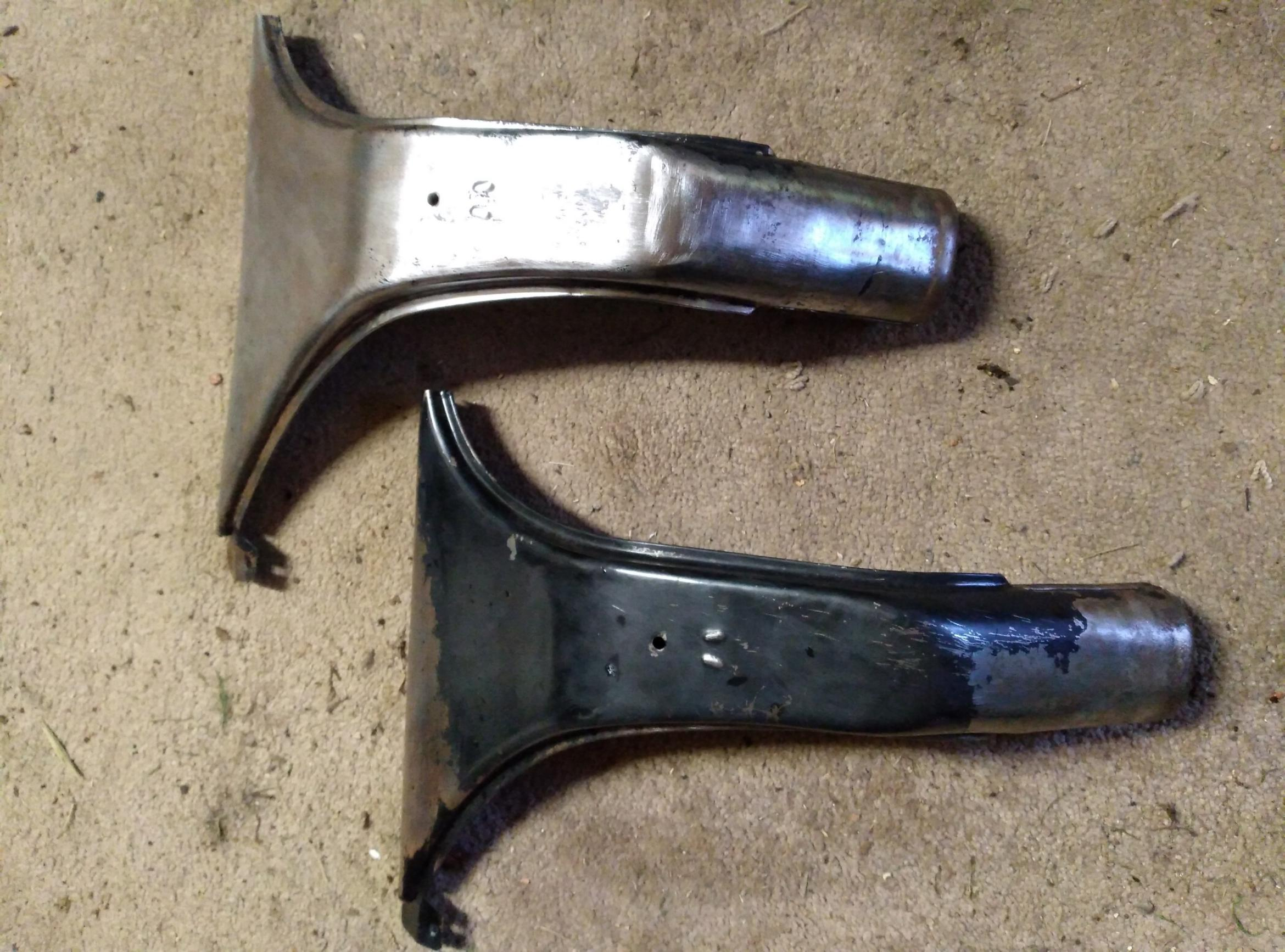 2CV windscreen header ducts (front)